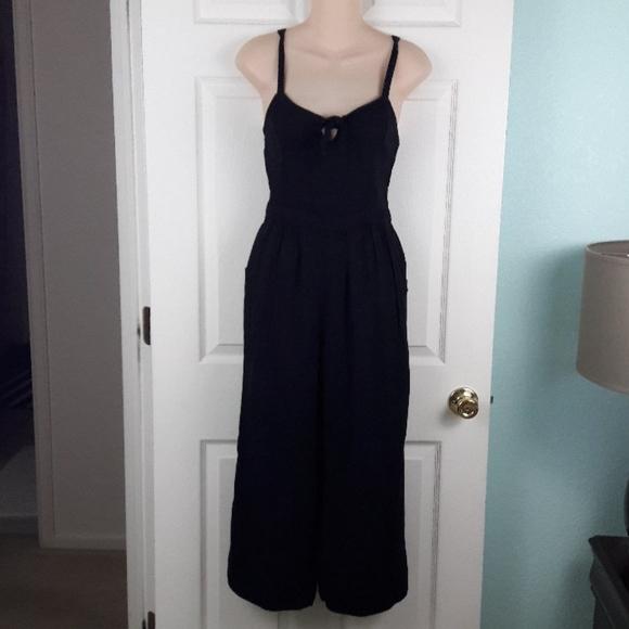 Hollister Black Tie Front Keyhole Jumpsuit Size S